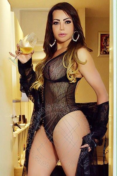 Vanessa Vaz  TORRE DEL LAGO PUCCINI 3206872588